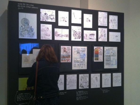 """Panel dedicado a """"Viñetas de Vida"""" en la exposición """"Dibujante ambulante"""" de Paco Roca"""